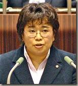 代表質問する大村洋子議員